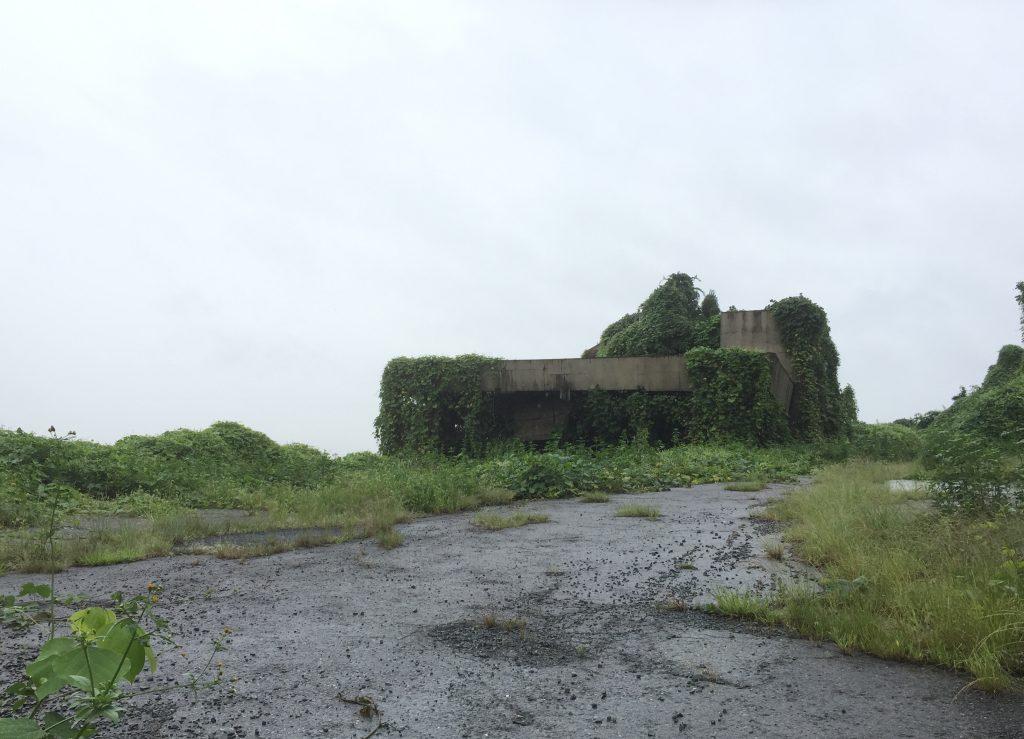 要塞みたいでカッコイイ廃墟