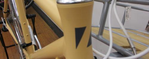 可愛いカゴ付き、泥除け付きクロスバイクあります!!